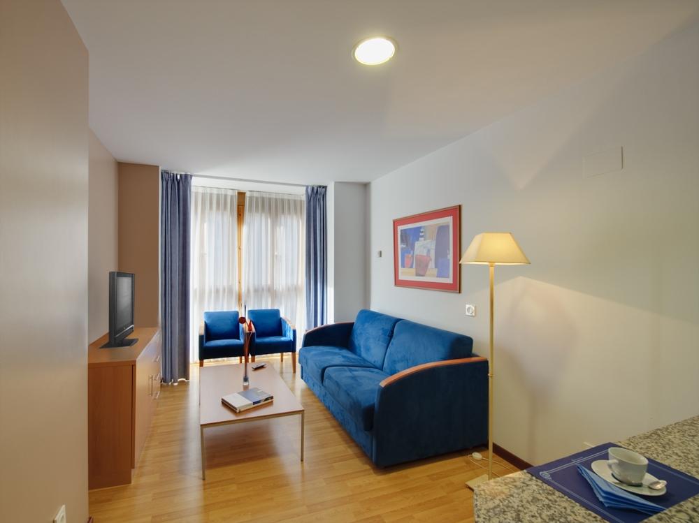Salon Apartamento De Una Habitacion Blue San Esteban Gijon