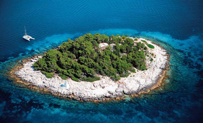 Yanpy Post 97 Yacht Charter Hvar Croatia