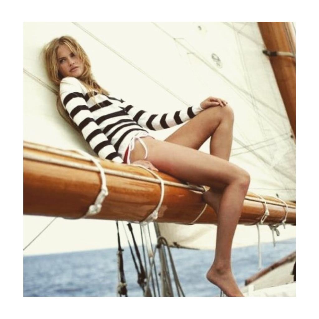 Yanpy Post 111 Girl Sailing Look