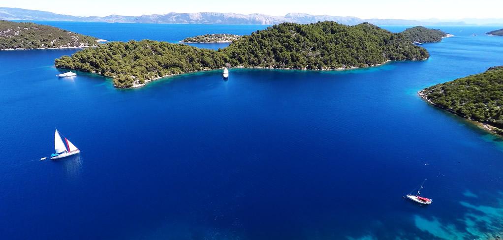 Yanpy Post 110 Yacht Charter Split Croatia