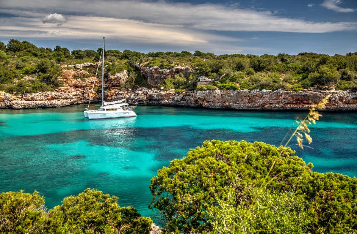 Yanpy Post 134 Yacht Charter Mallorca Cala Sanau