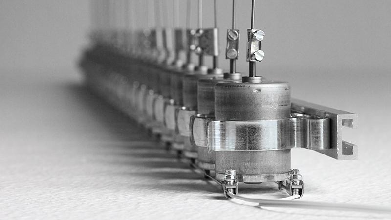 Zimoun 25 Dc Motors Filler Wire 02 800px