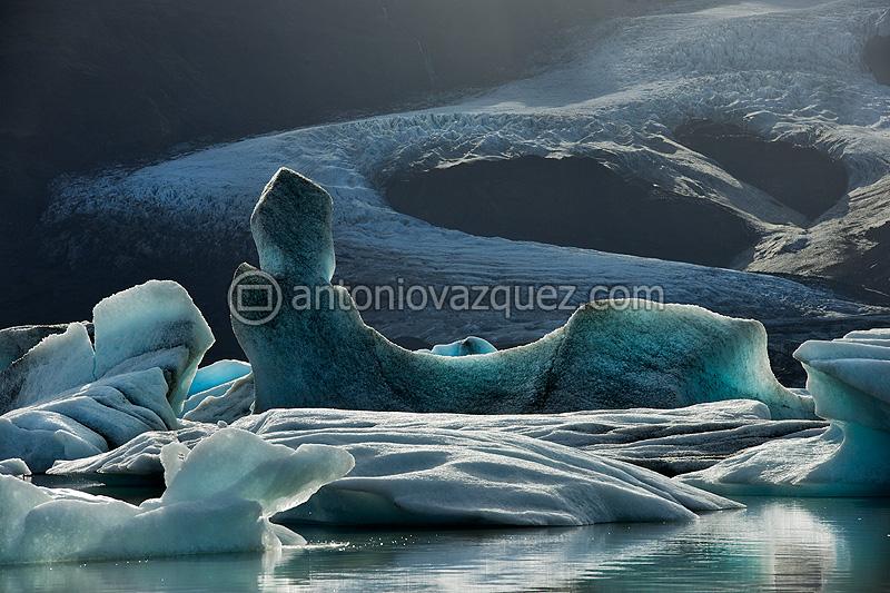 Icebergs en el lago del glaciar Fjallsjökull