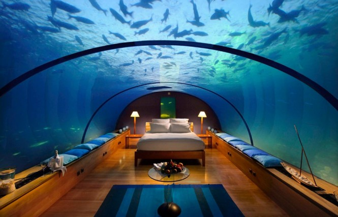 2 Underwater Bedroom 665x427