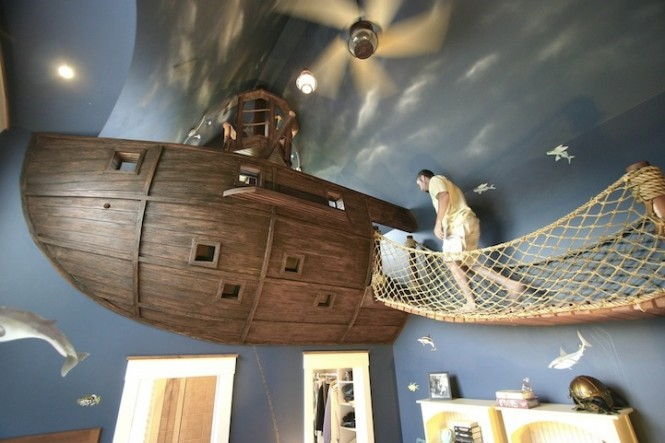 10 Pirate Ship Bedroom 665x443