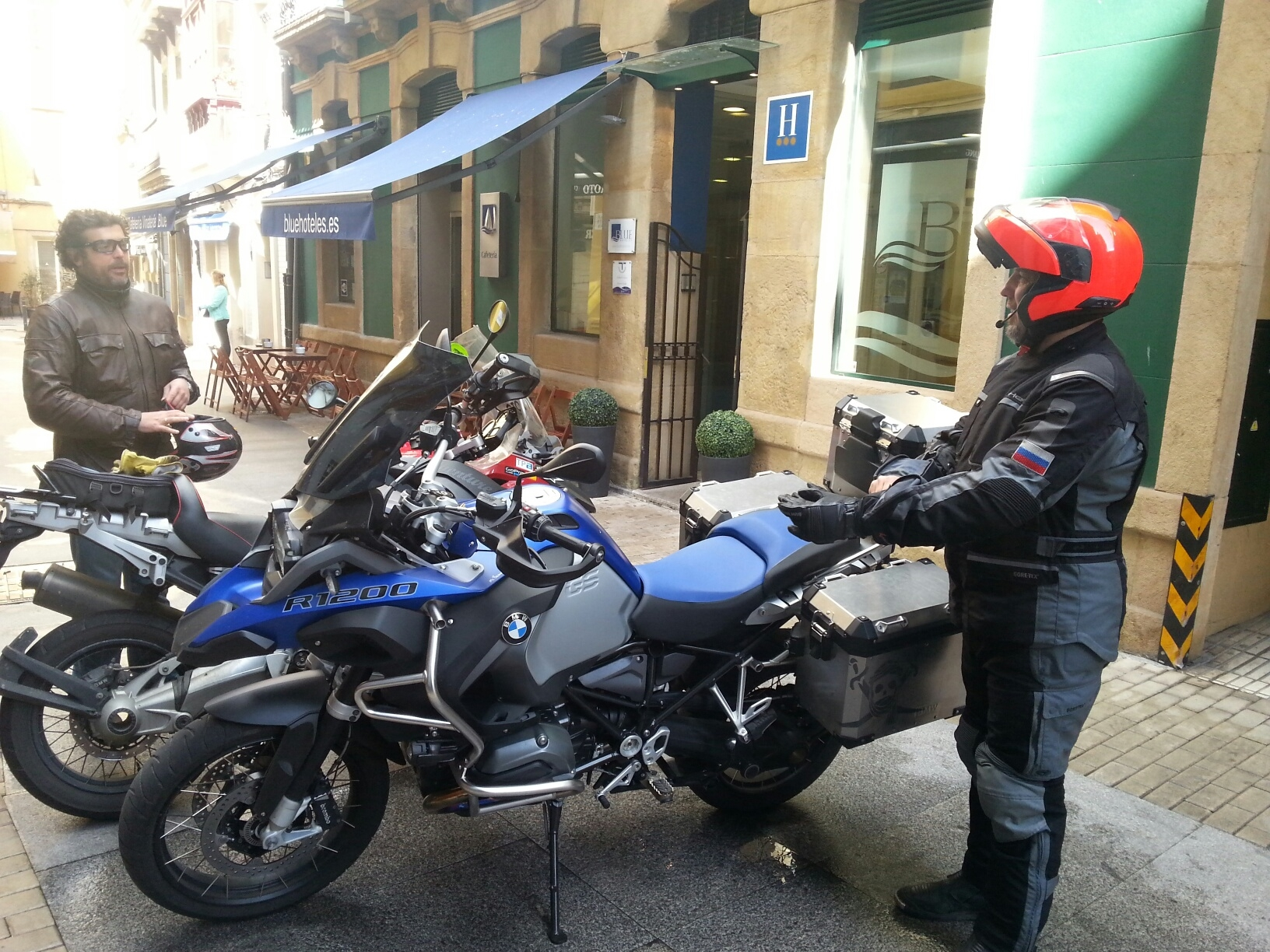Saliendo del Hotel Blue Santa Rosa de Gijón