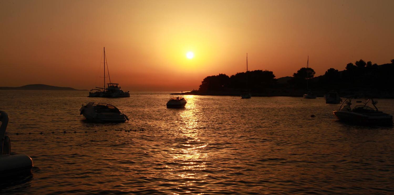 Yanpy Post 128 Yacht Charter Hvar Croatia