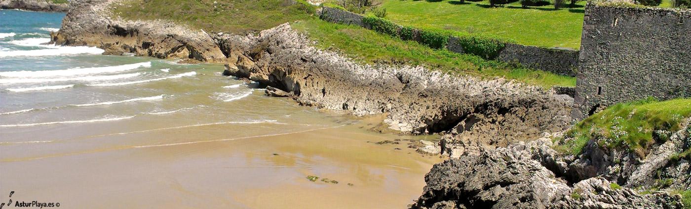 Los Curas Las Camaras Beach Llanes Asturias1