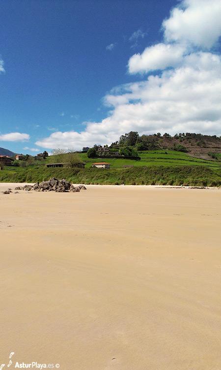 Toranda Beach Niembro Llanes Asturias