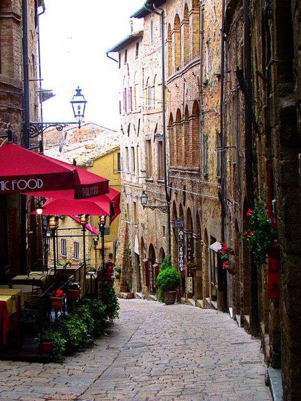 8. Toscana, Italia