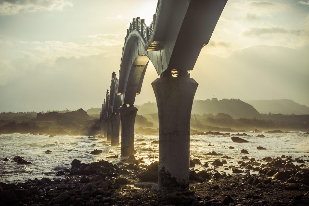 Sansiantai Pont Dragon Taiwan 07 1260x840