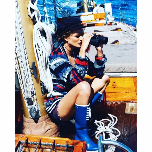 Yanpy Post 85 Girl Sailing