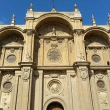 3 monumentos que no puedes dejar de visitar en Granada fuera de La Alhambra