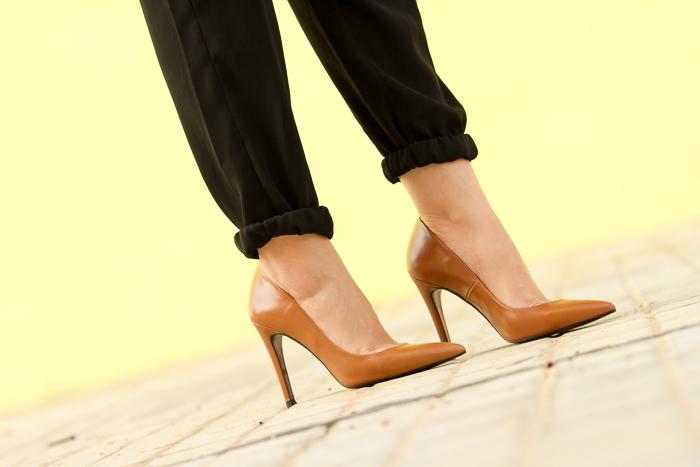 Img 3288 Adictaaloszapatos Zapatos Salones Color Camel Marron Cuero Zara Stilettos Tacon Aguja Punta Afilada