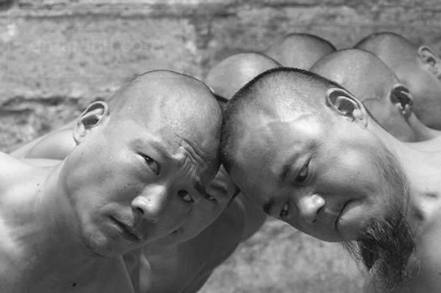 Incredible Photos Of Shaolin Monks By Tomasz Gudzowaty Shockblast 2