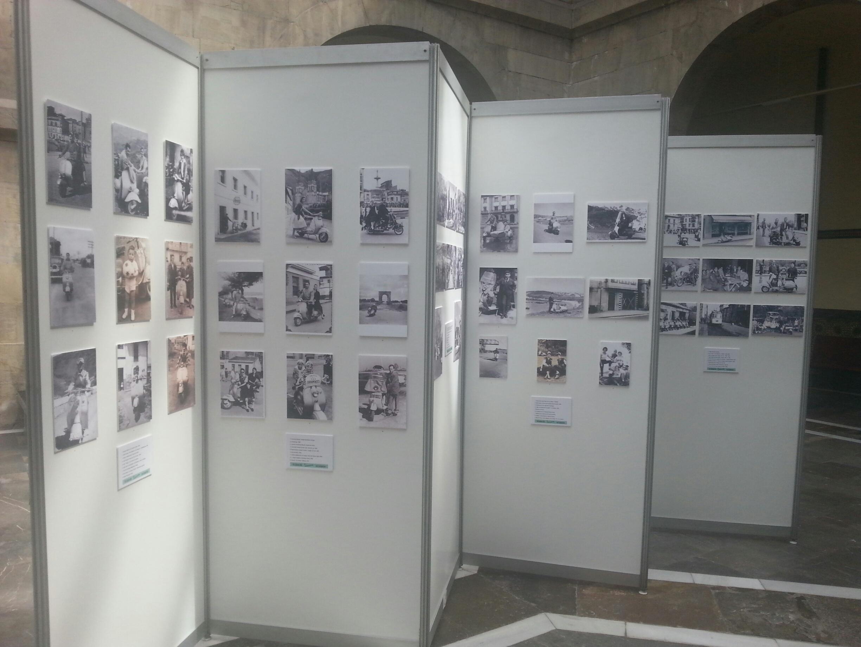 Expo Fotos Vespa Blue Hoteles Gijon