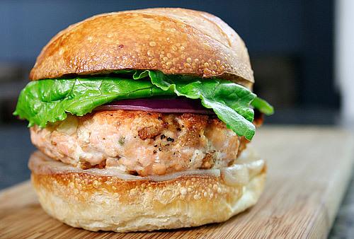 Salmon Burger 2