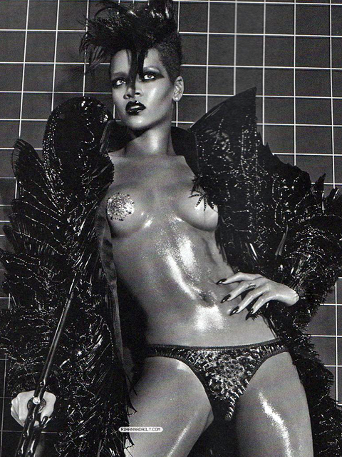 Rihanna Vogue Italy 9