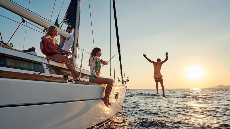 Yanpy Post 103 Yacht Charter Greece