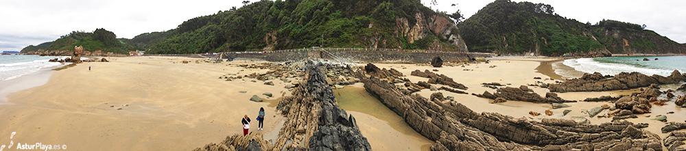 Playa de Aguilar a la izquierda, Campofrío a la derecha