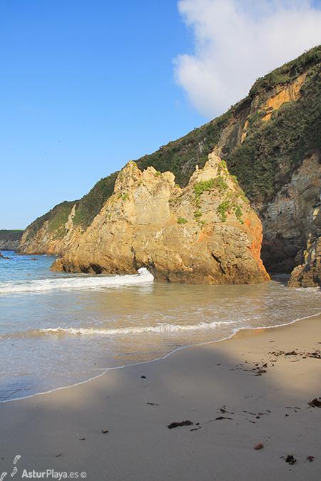 Santa Gadea Pantorga Beach Asturias