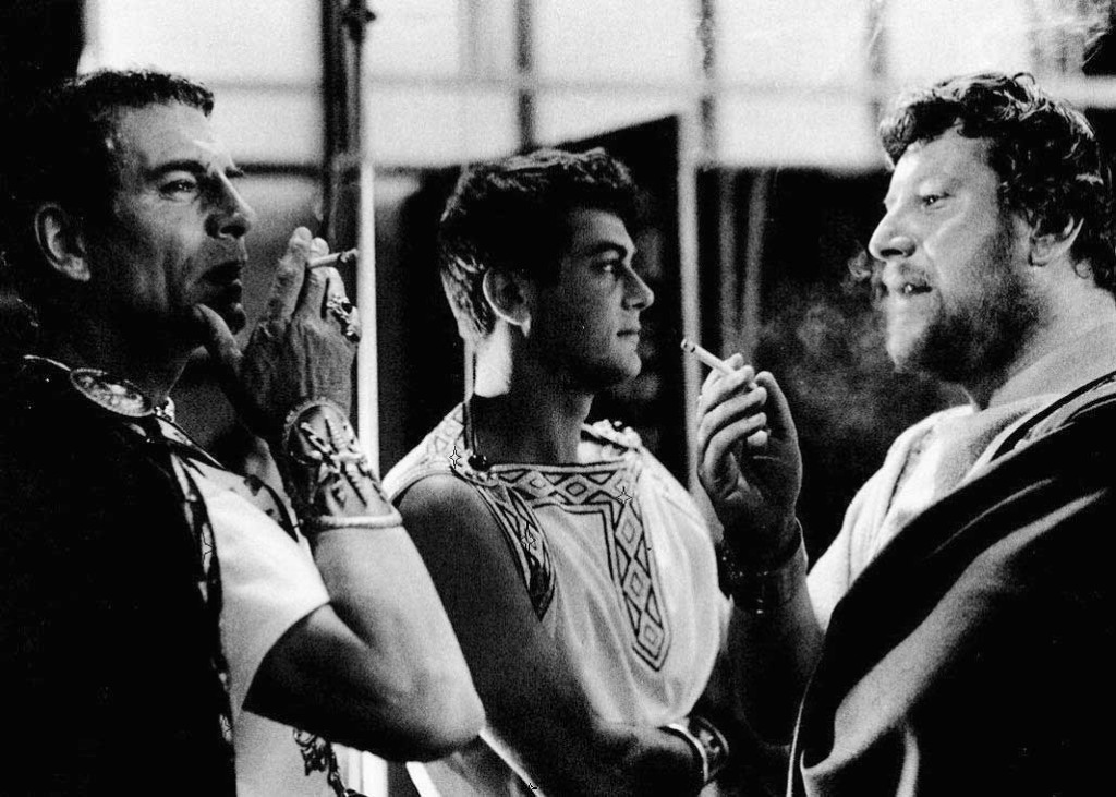 Laurence Olivier Tony Curtis And Peter Ustinov Having A Smoke Break On The Set Of Spartacus