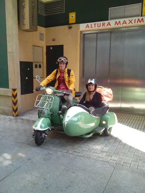 Lambretta Sidecar Blue Hoteles Gijon