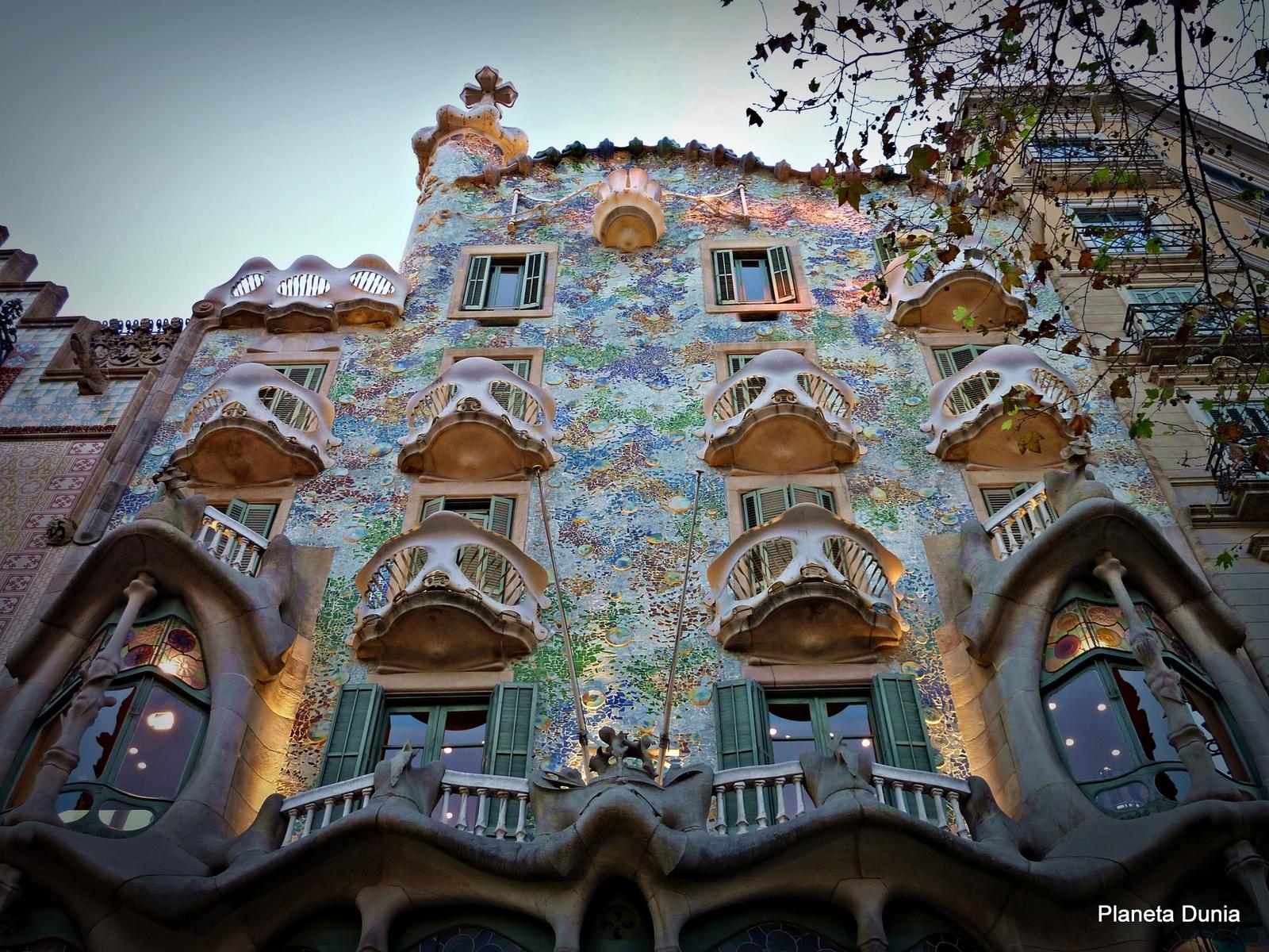 Barcelona Casa Batll C3 B3 P1250034 Bis I