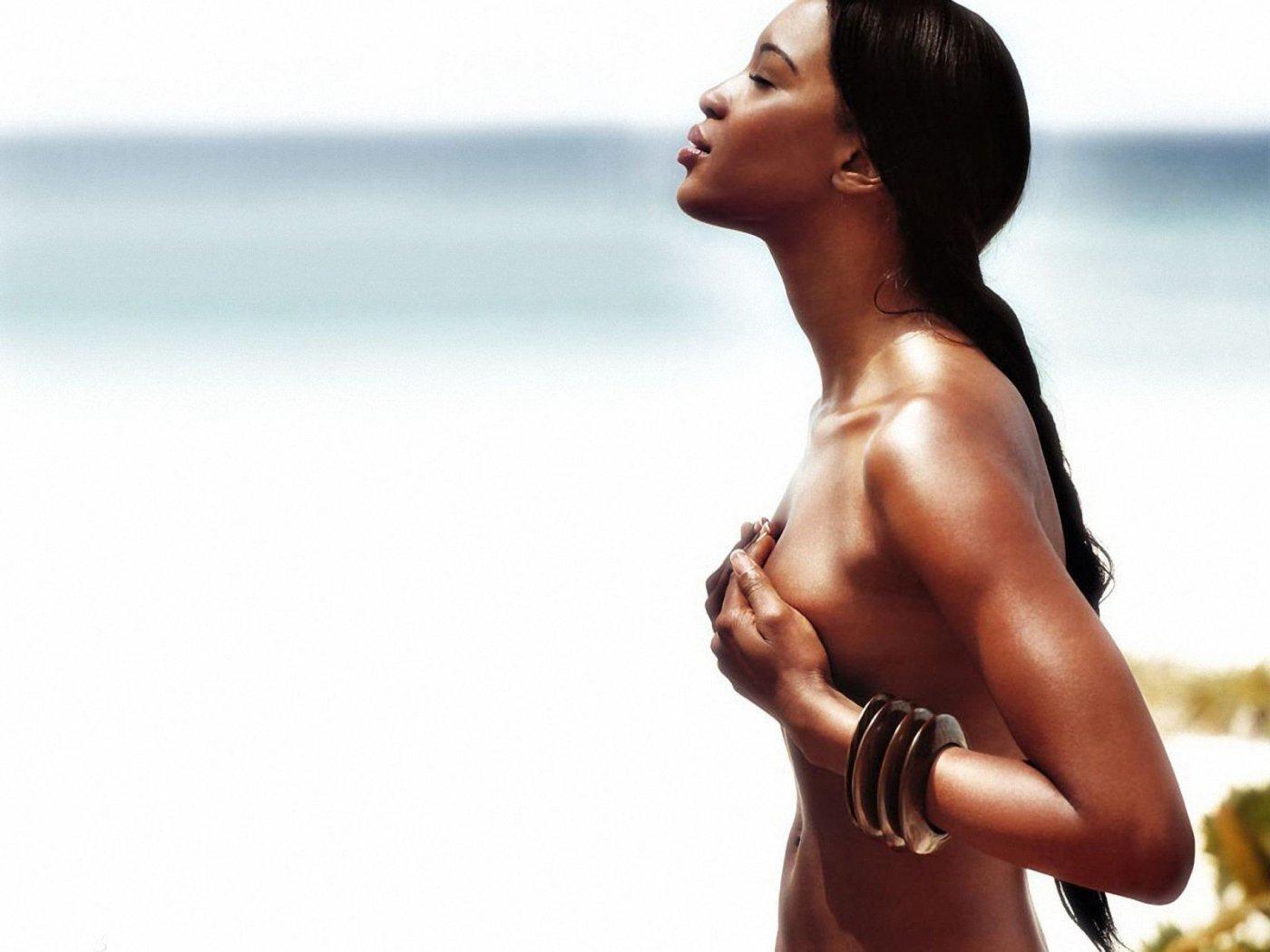Naomi Campbell Hot 116533 1400x1050