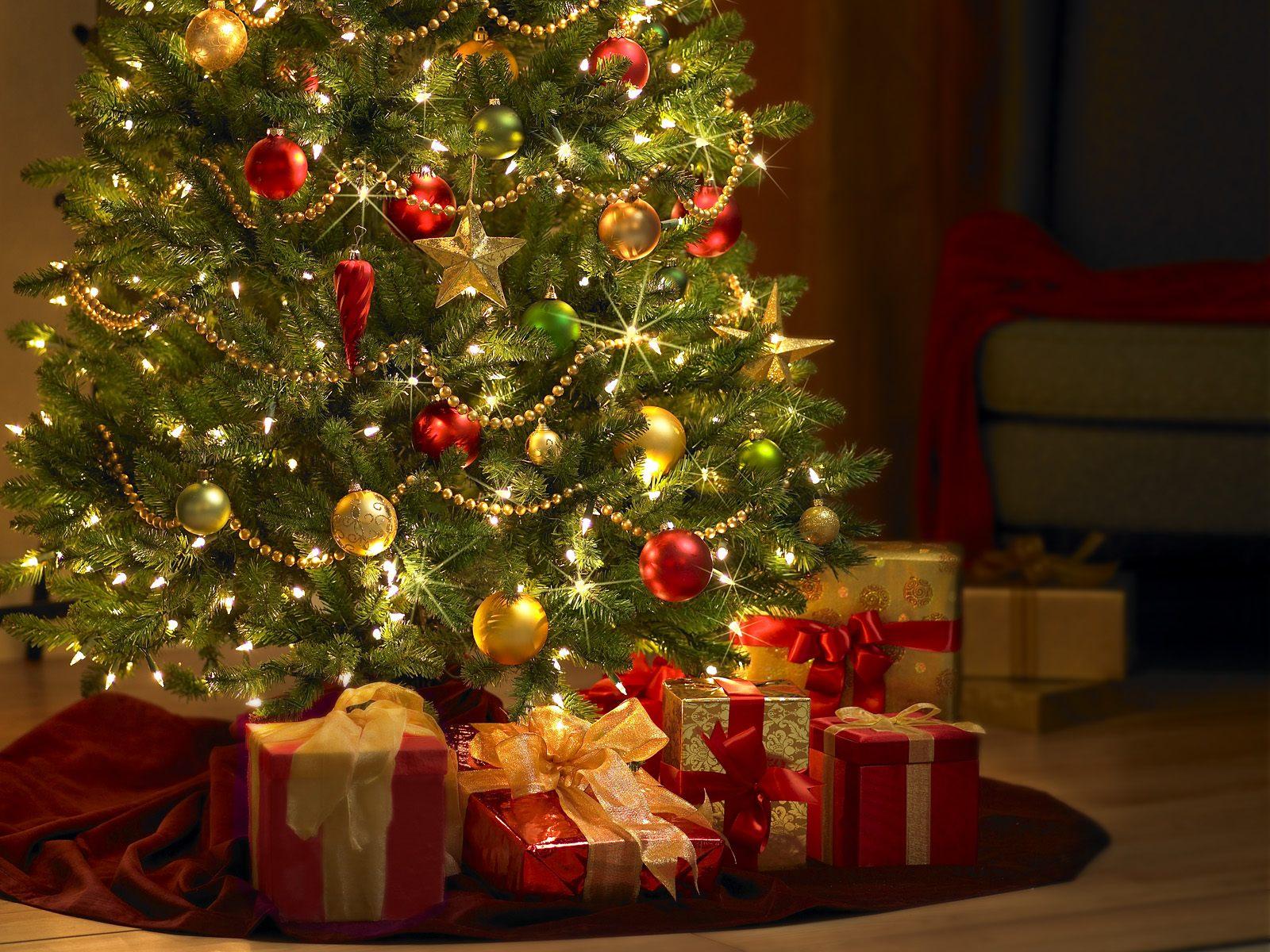 Arbol De Navidad Y Luces 625796