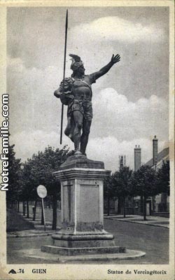 Cartes Postales Photos Statue De Vercingetorix Gien 45500 7996 20080116 1m7n7u3j7s1x7x6a6b6g Jpg 1 Maxi