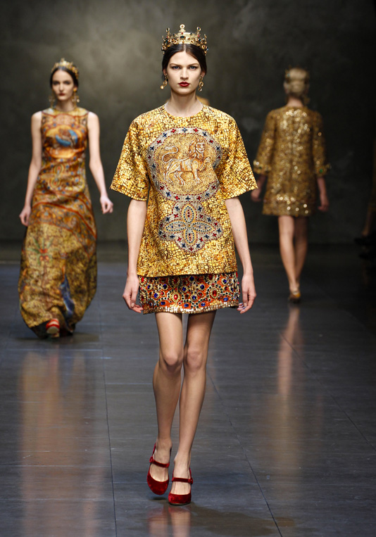 Dolce And Gabbana Fw 2014 Women Fashion Show Runway 07