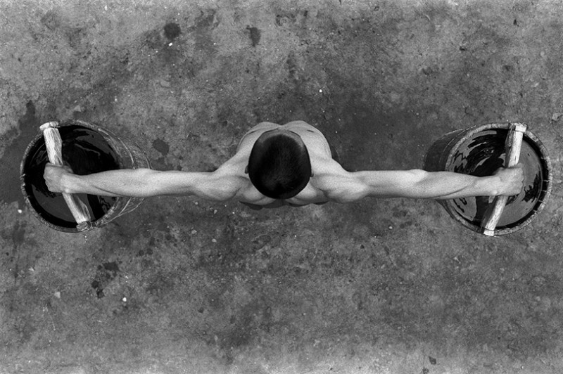 Incredible Photos Of Shaolin Monks By Tomasz Gudzowaty Shockblast 5 800x532