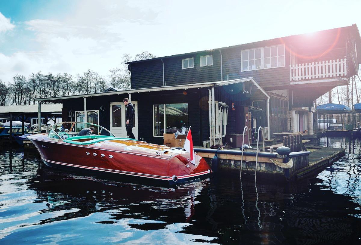 Yanpy Post 56 Riva Tritone Cannes Boat Show