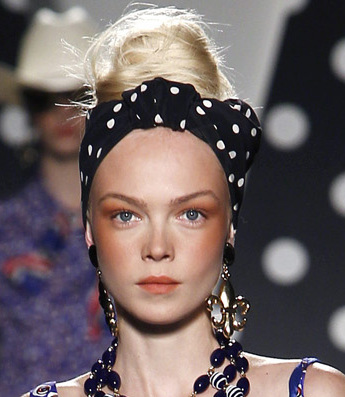 70s Retro Look Headbands Trend Spring 2011 Moschino
