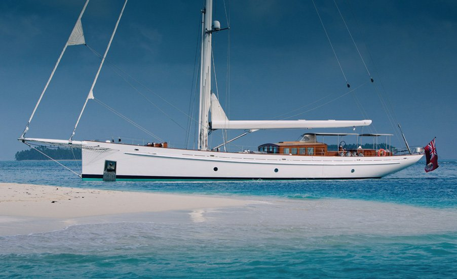 Yanpy Post 132 Superyacht Sailing