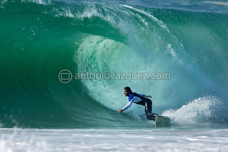 Surfeando en Hossegor, Francia