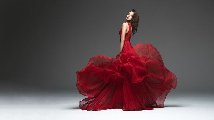 Wpid Lady In Red