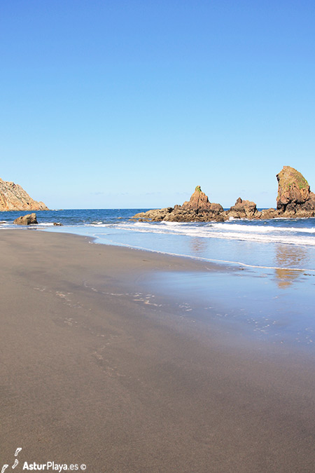 El Reguero Beach Rocks Asturias Spain