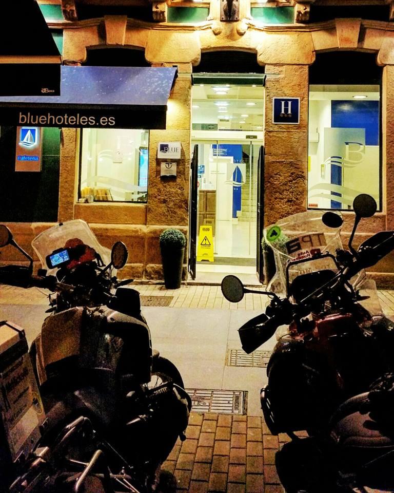 Moto Hotel Blue Santa Rosa Gijon