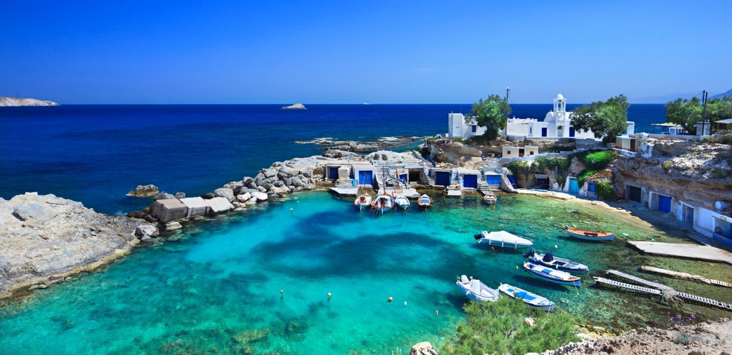 Yanpy Post 141 Yacht Charter Cyclades Islands Greece Milos