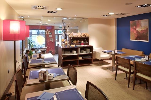 Salon De Desayunos Hotel Blue Marques De San Esteban