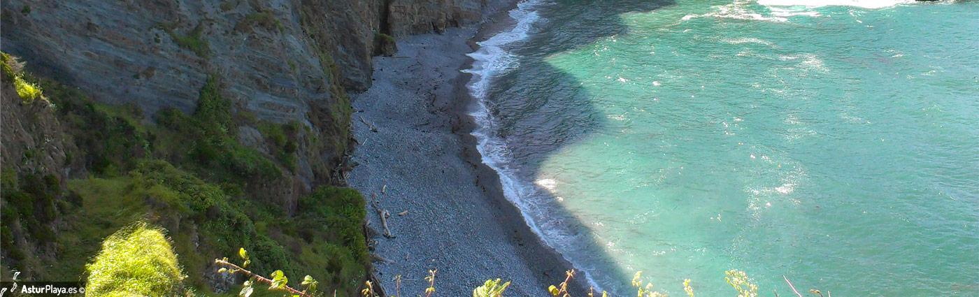 San Cidiello Beach Cudillero Asturias2