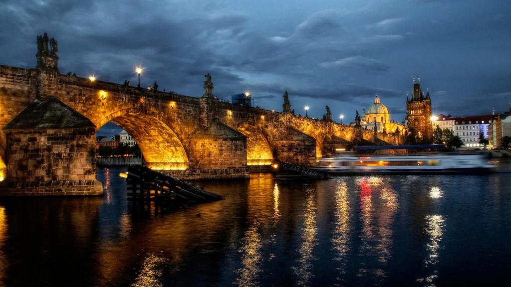 346592 Gorod Praga Reka Noch Ogni Most 3000x1688 Www Gdefon Ru