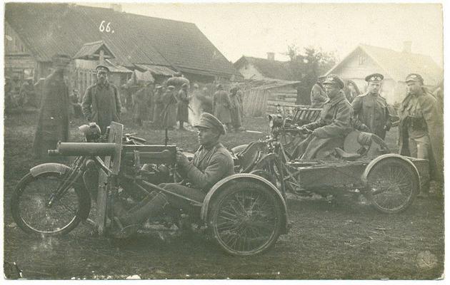 La 39 Division Motorizada De Infanteria Rusa Con Metralletas Montadas Durante La Segunda Guerra Mundial