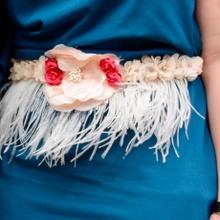 Cómo hacer un cinturón de plumas