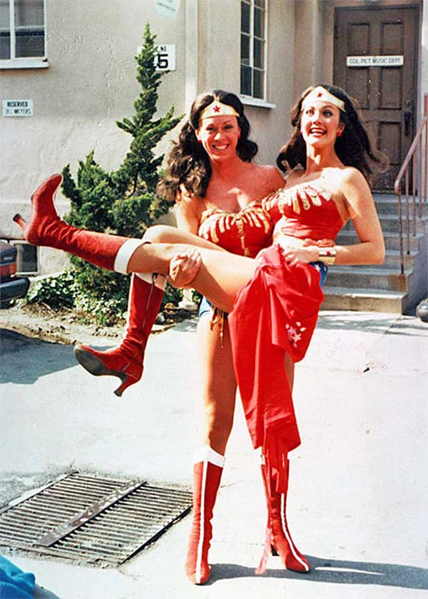 Lynda Carter As Wonder Woman In The Arms Of Her Stunt Double Jeannie Epper