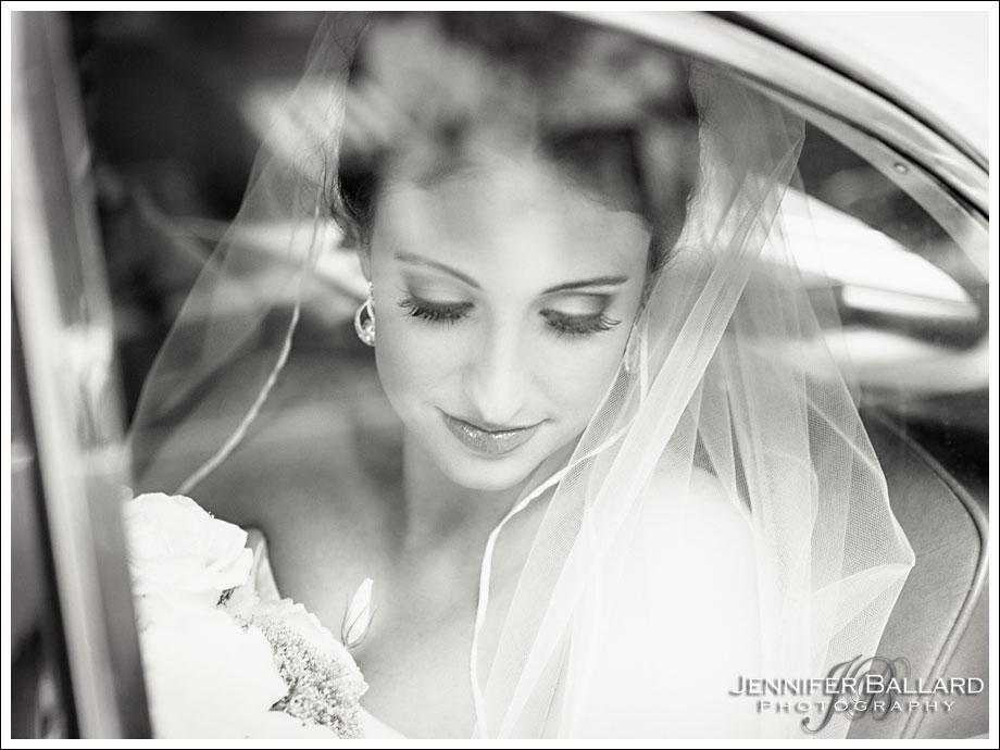 Vintage Car Beautiful Bride