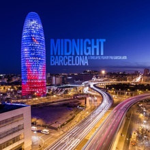 Midnight Barcelona in TimeLapse (Video)