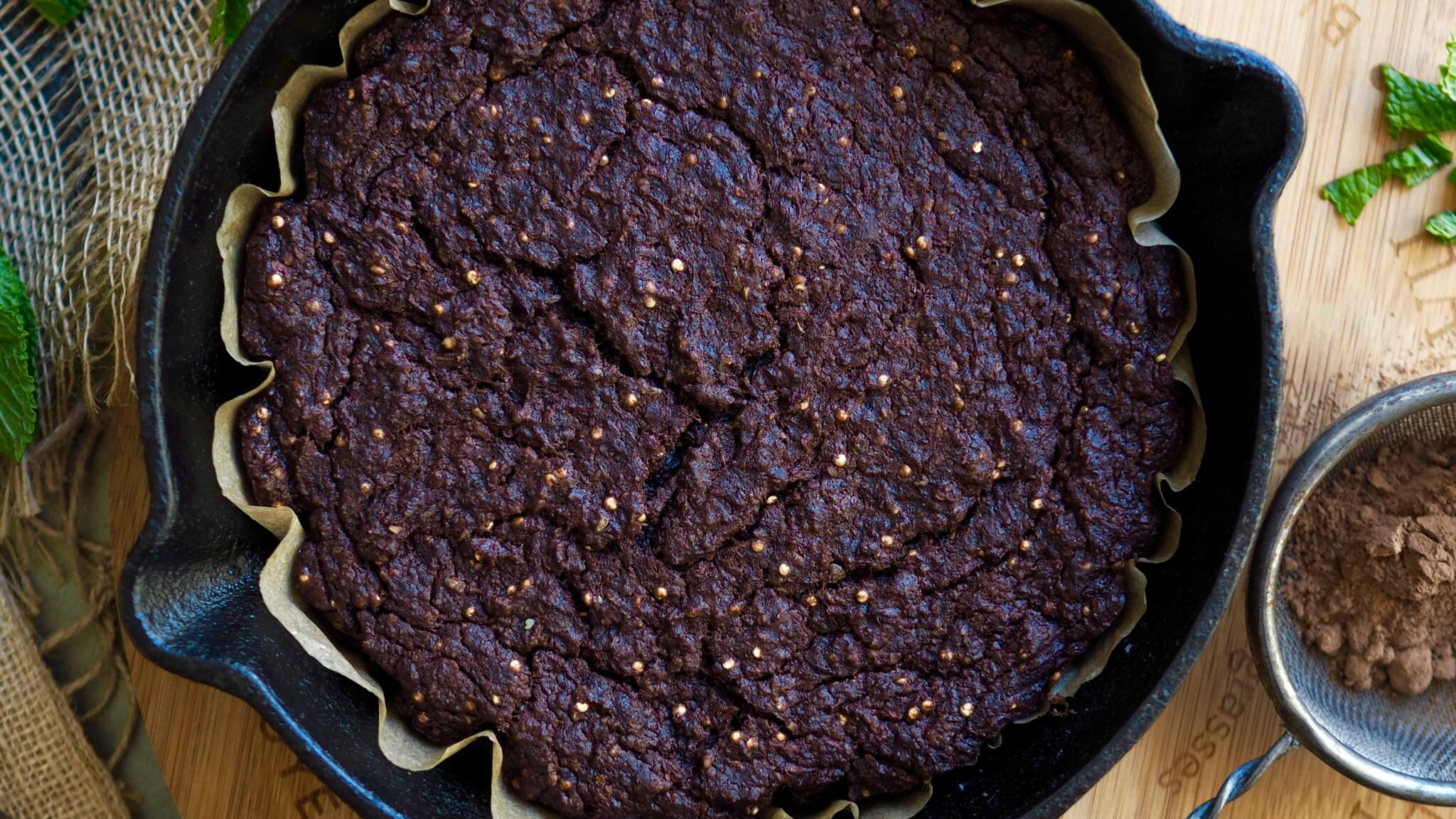 Breakfast Oatmeal Brownies With Raw Chocolate Sauce 4